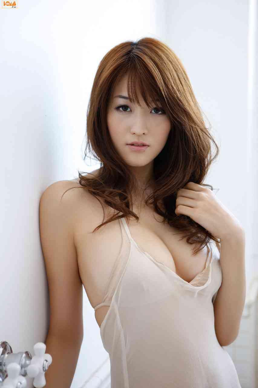 葉加瀬マイが愛人契約で提示された金額を告白 添い寝とボディタッチで100万円