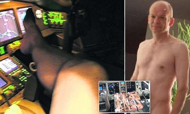 【アダルト注意】旅客機パイロットが飛行中全裸&ストッキングで…