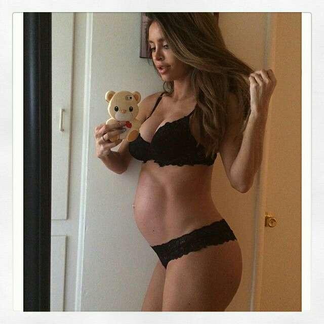 1月出産予定の澤穂希さん「腹筋ありすぎて」おなかふくらまない