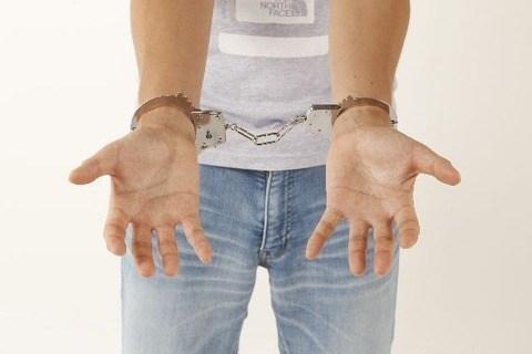 客には警察官も…女子中学生に買春あっせん、1人6千~8千円で「客募る」 容疑の男逮捕 大阪府警
