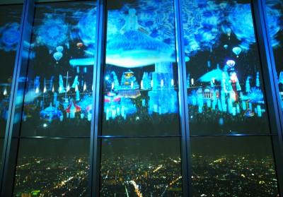 ジンベエザメが夜空を泳ぐプロジェクションマッピングがあべのハルカス展望台でスタート! (画像3/5) | ニュースウォーカー