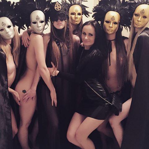 アンジェリーナ・ジョリーが高級セックスクラブ顧客と報じられる