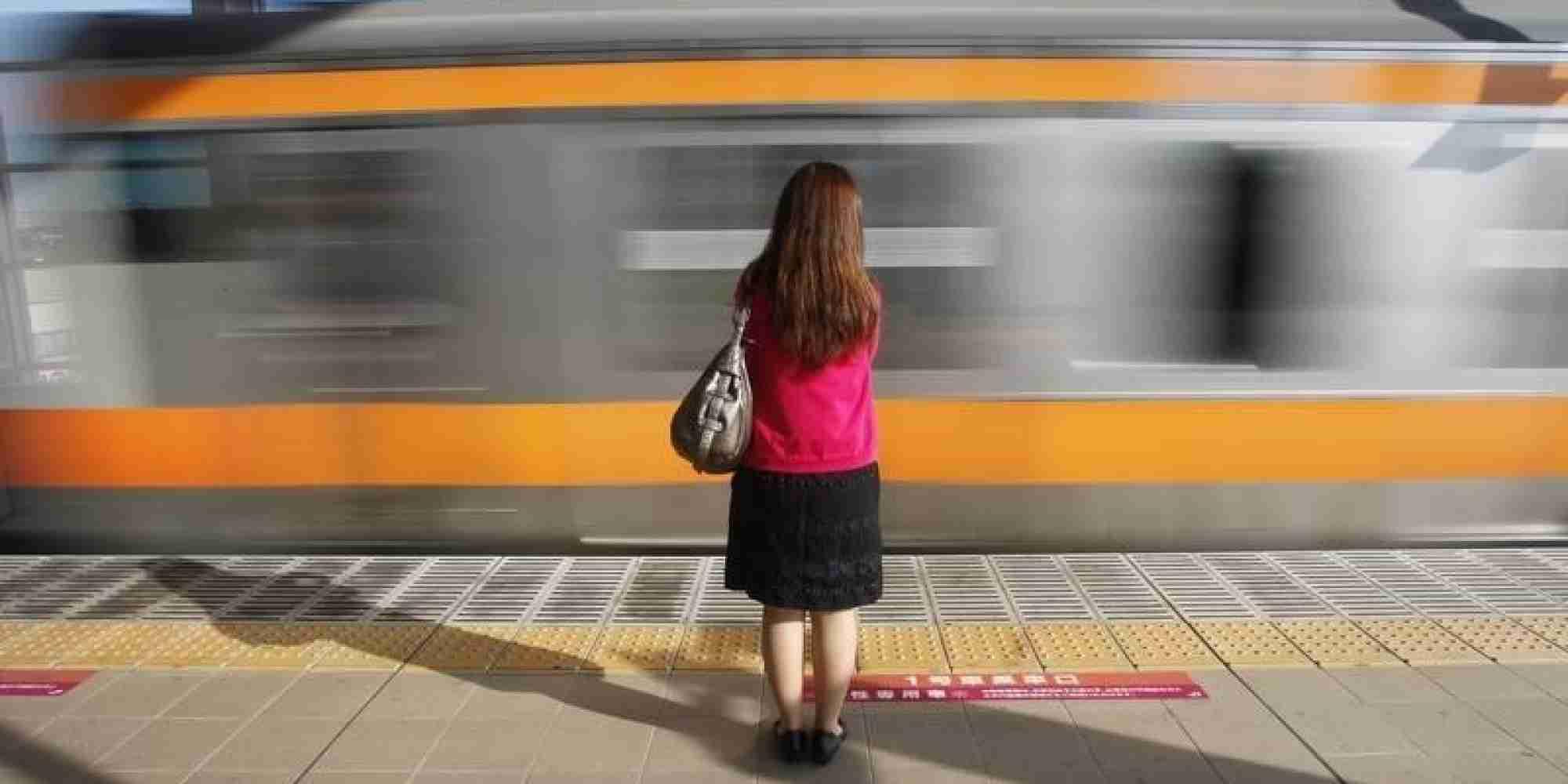 若い女性の人口、2040年までに半減? 有識者会議が試算