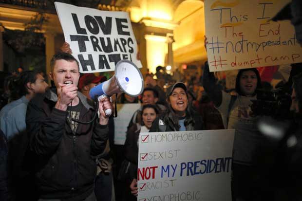 外国人「やりすぎだろ…」トランプ氏勝利に抗議デモ、トランプタワー周辺に数千人集結→海外「時間の無駄だ」 海外の反応|海外まとめネット | 海外の反応まとめブログ