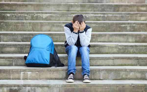 60%が給食停止に賛成! 給食費未納で親が子どもを苦しめている?