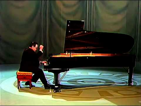 NIKOLAI PETROV Liszt Études d'exécution transcendante d'après Paganini 1st version 2/3 - YouTube