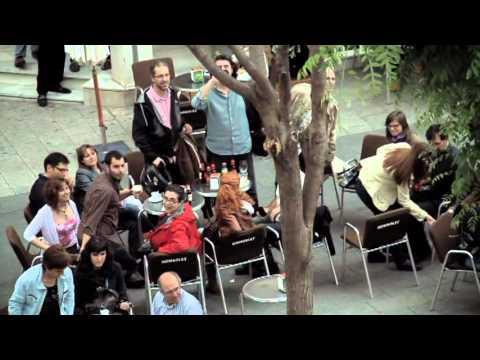 海外 おもしろ ドッキリ! 街中でオーケストラ  フラッシュモブ - YouTube