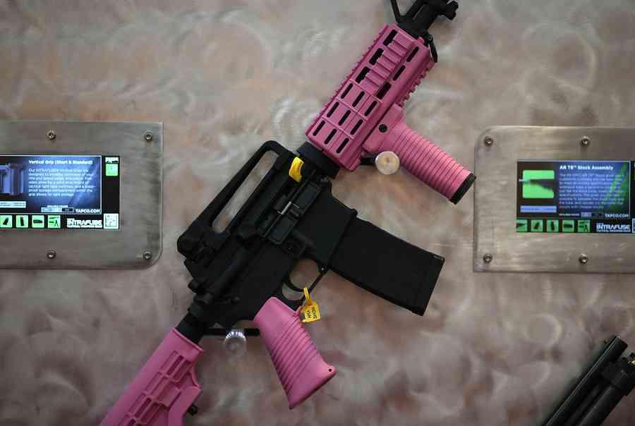 米銃器業界、カラフルな銃で6歳からの子ども市場に照準