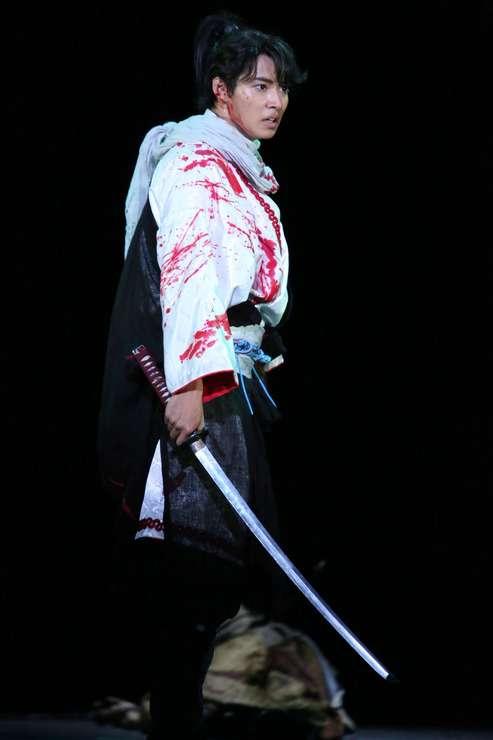 山崎賢人:初主演舞台「里見八犬伝」が来春再演へ - ネタりか