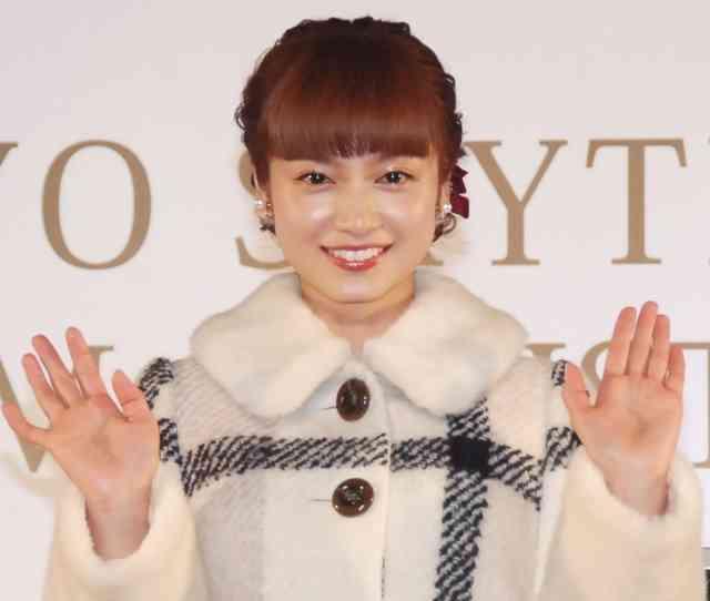 平愛梨、Xマスイルミは「大切な人と見たい」 長友選手と交際順調アピール (オリコン) - Yahoo!ニュース