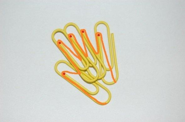 SMAPファンの間で「クリップ運動」広がる 持ち物に5色のクリップはさみ...