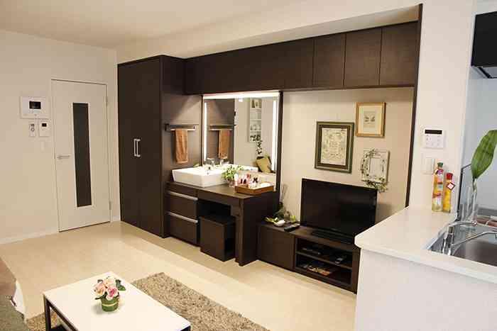 レオパレスに「未払い賃料4億円余を払え」とアパート所有者129人が提訴