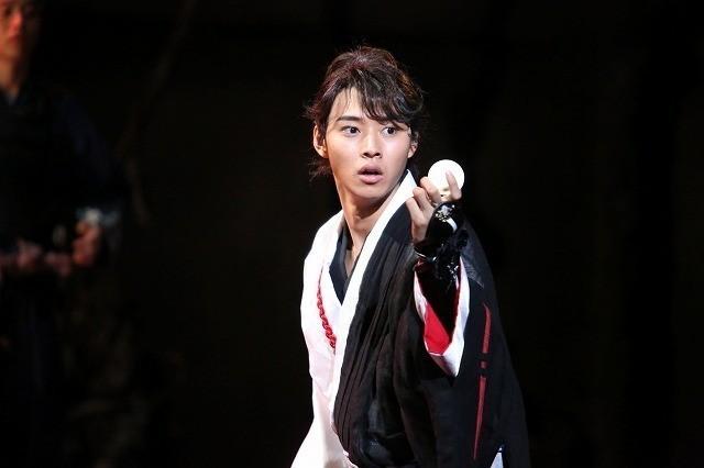 山崎賢人×深作健太の舞台「里見八犬伝」が17年4月から再演決定! : 映画ニュース - 映画.com