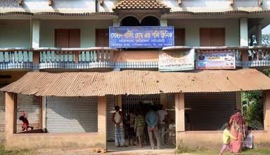 新生児をビスケットの箱に入れて人身売買、12人逮捕 インド 写真4枚 国際ニュース:AFPBB News