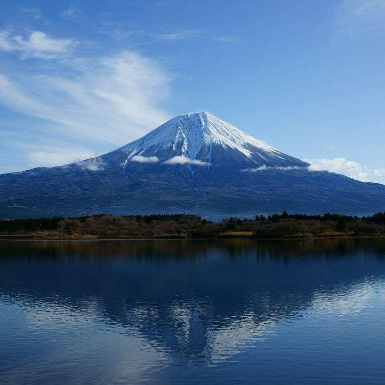 韓国人による富士山での野グソが流行!「日本人は俺の糞でも登ってろ」富士山が反日感情の対象に - NAVER まとめ