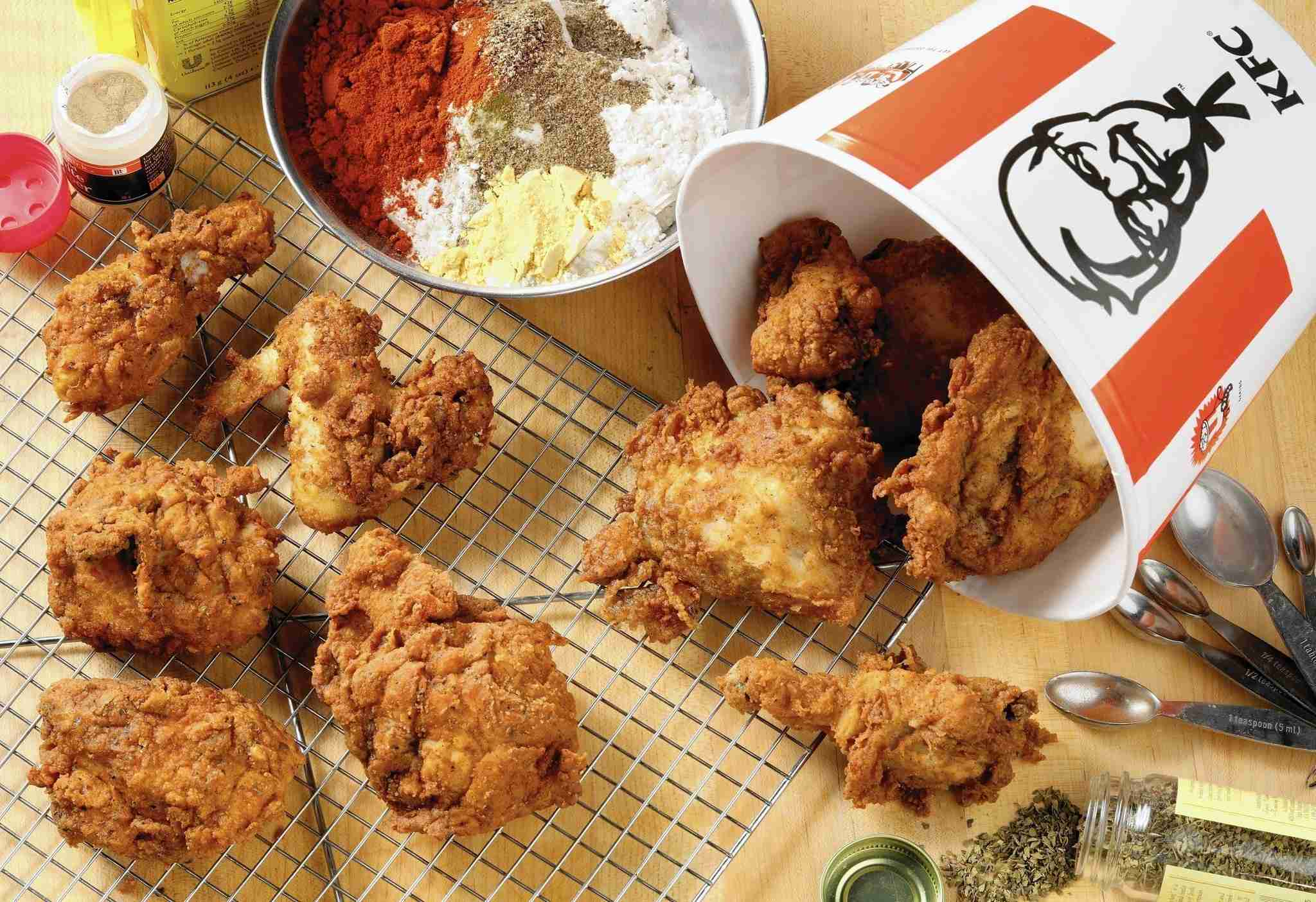KFC recipe challenge: Tribune kitchen puts the 11 herbs and spices to the test - Chicago Tribune