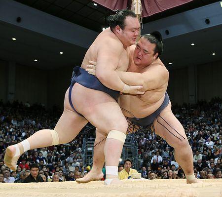 「もう1勝」の重み痛感=稀勢の里、来年こそ-大相撲九州場所 (時事通信) - Yahoo!ニュース