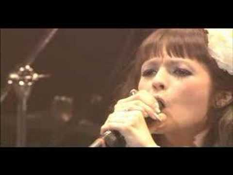 Olivia inspi' REIRA - A Little Pain (NANA Premium Live) - YouTube
