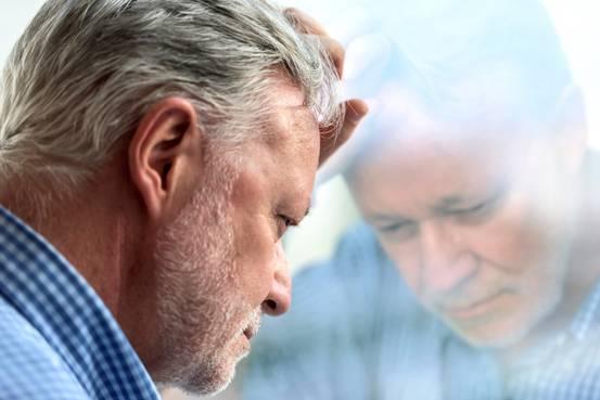 経済的ストレス、「見た目年齢」に影響 - WSJ