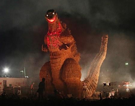 ワラの「シン・ゴジラ」 LED点灯中止 神宮外苑の火災をうけ