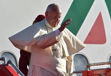 「キリスト教徒は同性愛者に謝罪するべき」、ローマ法王 写真4枚 国際ニュース:AFPBB News