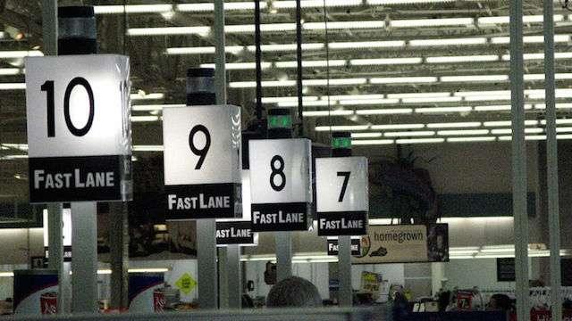 スーパーでレジに並ぶ時、一番早く買い物が終わる列を見つける方法 | ライフハッカー[日本版]