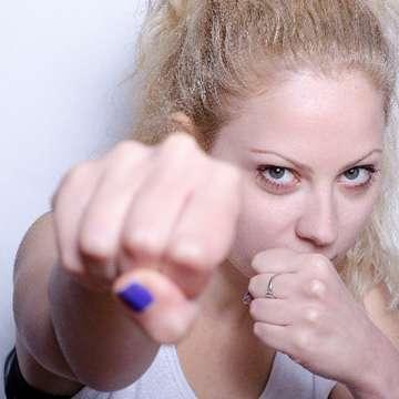 急増する「逆DV」女性から男性への暴力、あなたは大丈夫? | 日刊大衆