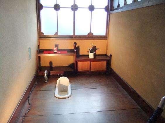 【トイレの日】総額1億円のトイレに行ってみたがあまりの豪華さに緊張して用が足せなかった