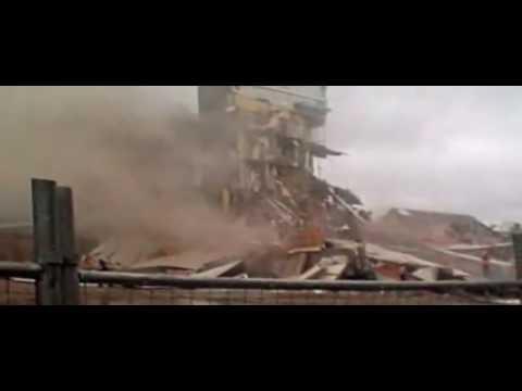 ニュージーランド 地震 M 7.4 - YouTube