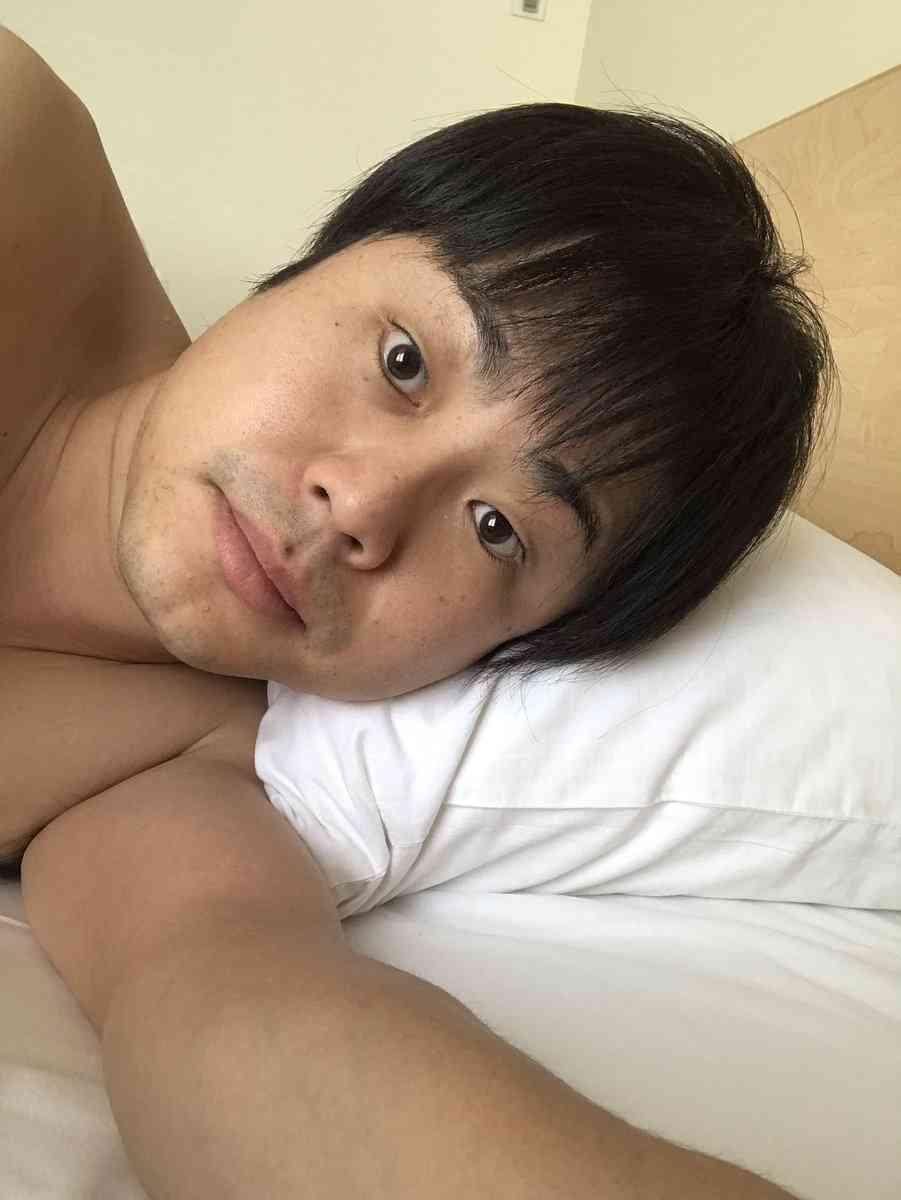 今年1番の無駄ヌード NON STYLE井上裕介、生まれたままの姿で学習塾とリンゴの重要性を学生に説く