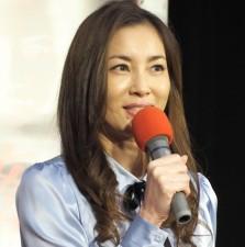 瀬戸朝香、2年ぶり女優復帰 心配したイノッチ、みかん持参で子どもと現場訪問