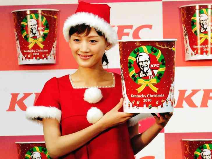 知英ことJY「クリスマスは日本ではケンタッキー(フライド)チキンを食べるんですよね。どうしてですか?」