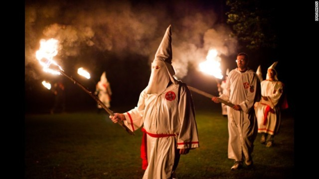 CNN.co.jp : KKK、トランプ氏当選祝うパレード計画 共和党は非難