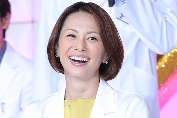米倉涼子「ドクターX」現場へメロン150万円超の大盤振る舞い