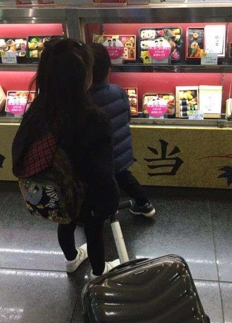小林麻央、姉・麻耶は「私のサンタさん」 2ショットを公開