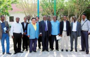 寿司チェーン店『すしざんまい』がソマリア沖の海賊被害をゼロに…社長「ソマリアの海賊たちに会いに行きました」