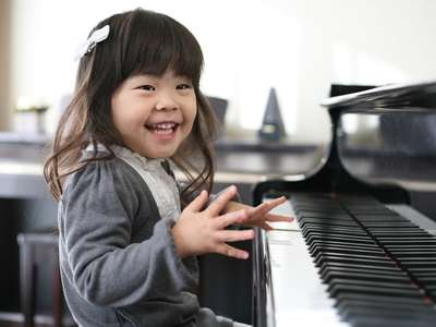 話題の幸福学でわかる!将来子どもの「幸せ度」が高い習い事って?