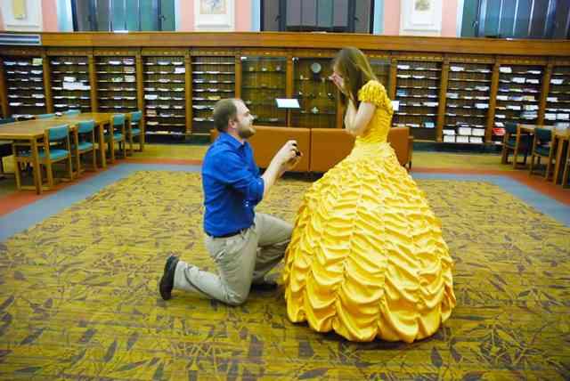 裁縫経験ゼロの男性、彼女のために手作りした『ドレス』がプロ級 これが愛の力なのか!?
