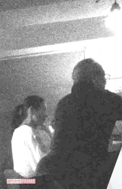 小泉今日子と豊原功補 行きつけのバーで他の客に神対応