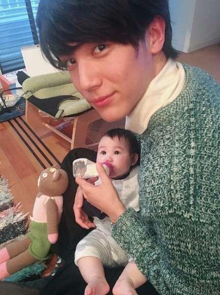 中川大志、赤ちゃん抱く姿にファン悶絶「大志くん、将来絶対良いパパになるよ」