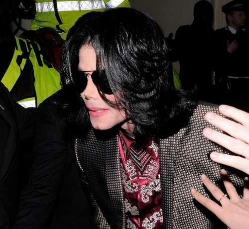 娘の猛非難でマイケル・ジャクソンの番組中止 | Narinari.com