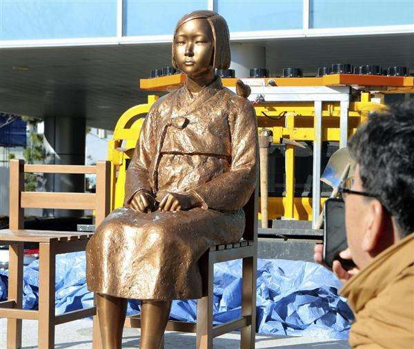釜山市東区、日本総領事館前に慰安婦像設置を許可 31日夜に除幕式を計画