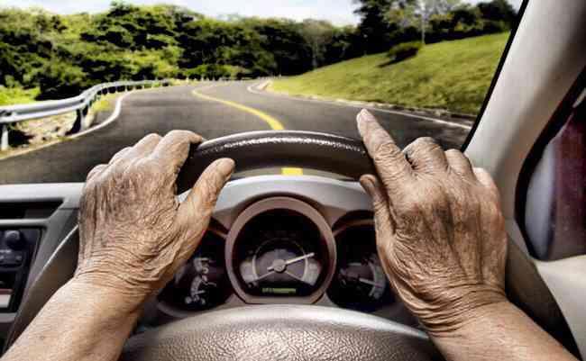 警察官僚が暴露。高齢ドライバーの事故報道が突然激増した裏事情