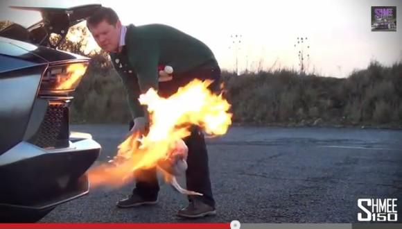 ファイヤーーーーッ!! ランボルギーニで七面鳥を焼いてローストターキーを作った動画が海外で話題! | Pouch[ポーチ]
