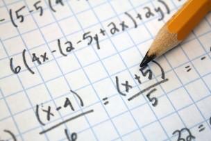 ファミレスやカフェでの勉強をどう思いますか?