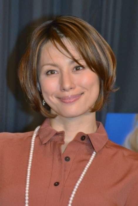 【エンタがビタミン♪】米倉涼子、離婚成立で「安住紳一郎アナと再婚したら」の声続々 | Techinsight|海外セレブ、国内エンタメのオンリーワンをお届けするニュースサイト