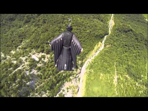 【危険注意】人間が時速200kmで飛行!ムササビスーツで息を呑む絶景と恐怖映像 - YouTube
