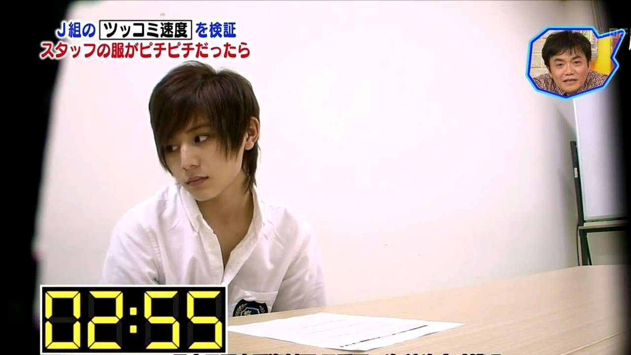 Yamada's Reaction to SK Staff with Undersized T-shirt - YouTube
