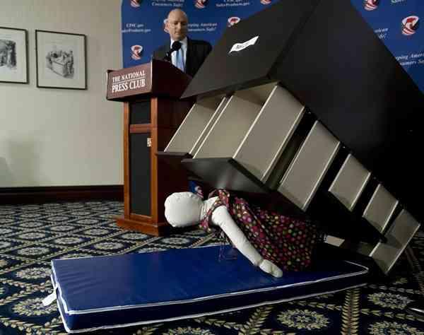 イケア、チェストで死亡した子ども3人の家庭に58億超の賠償金支払いへ