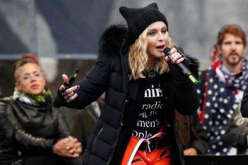 米歌手マドンナ、「ホワイトハウス爆破」発言は比喩と釈明| ロイター
